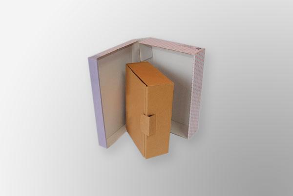 Cajas para envíos, impresas o sin impresión.